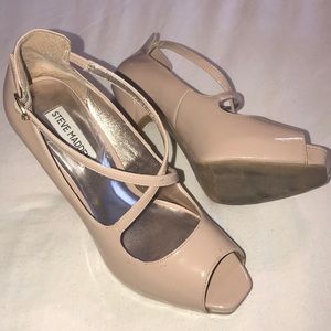 👠Steve Madden patent leather Nude Women 9